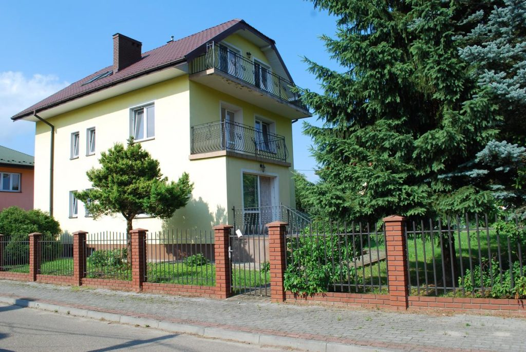 Dom mieszkalny położony w Lesku na Posadzie.